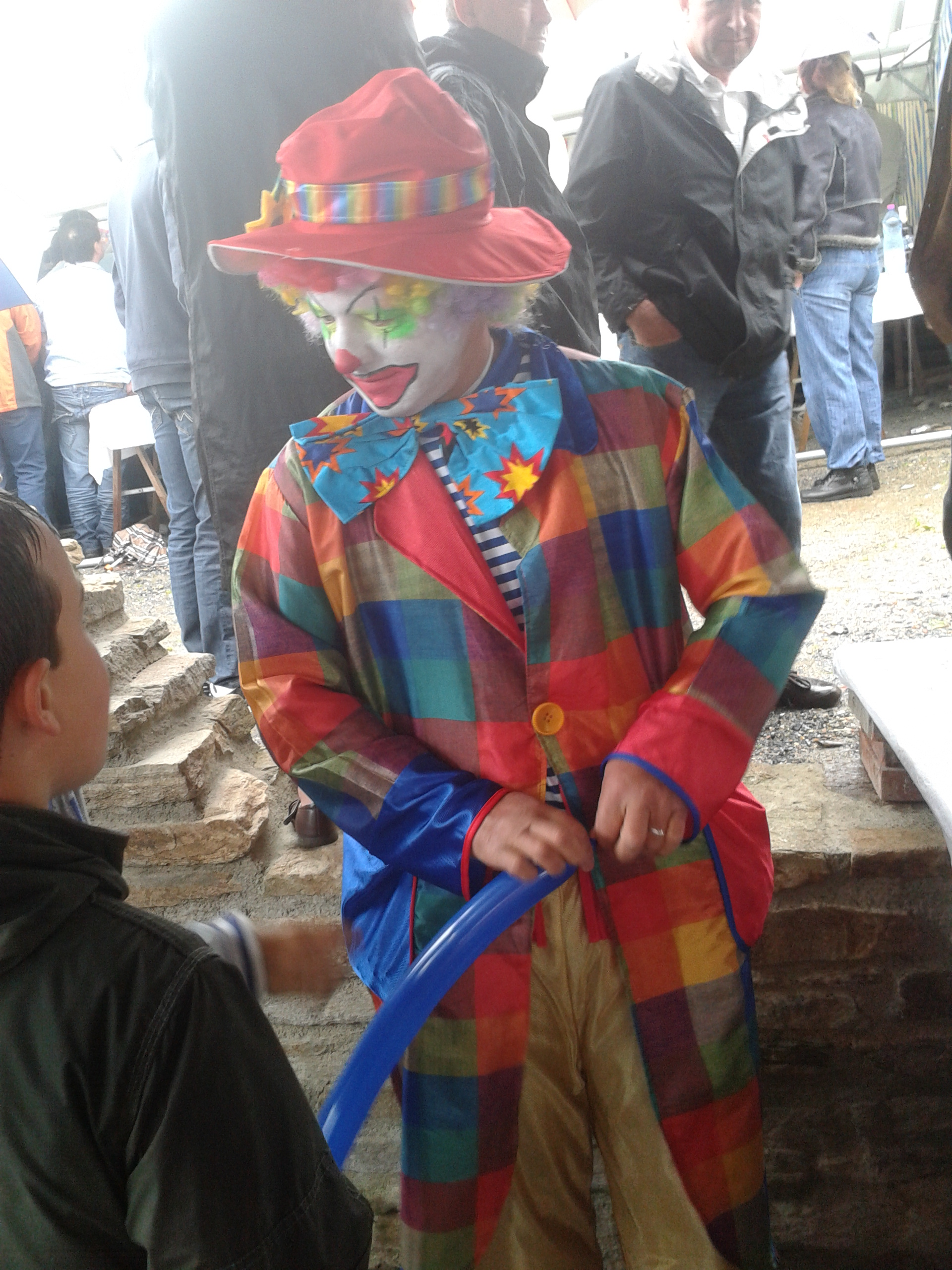 Dyno le clown en animation ambulante Les escoussens Tarn