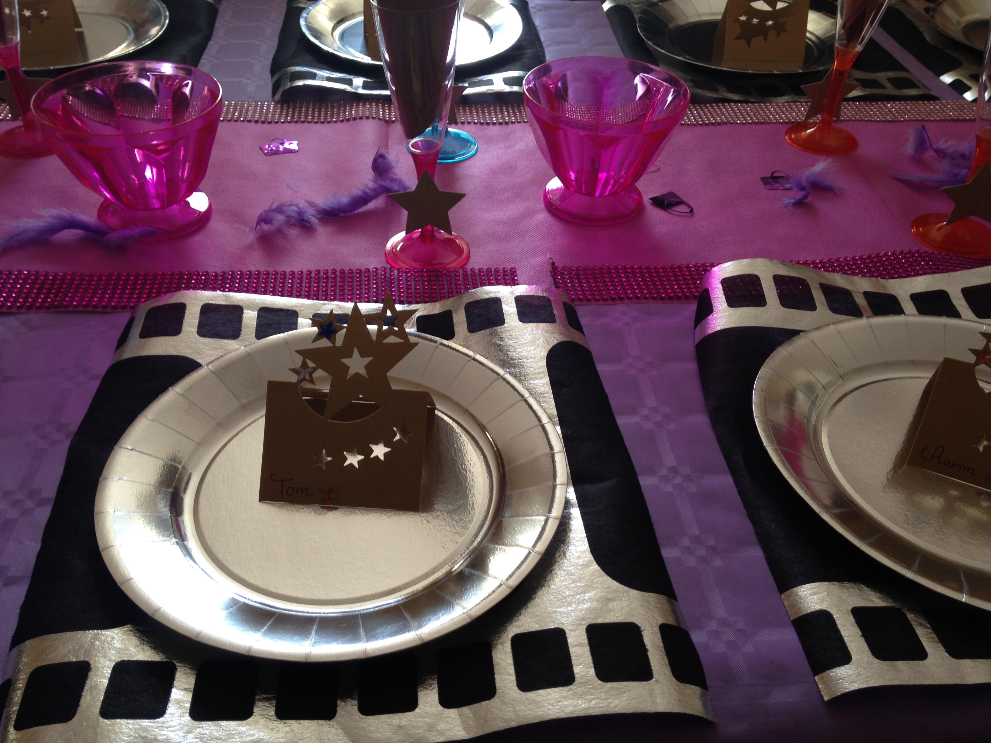 La décoration de table VIP Girl/Star de cinéma anniversaire